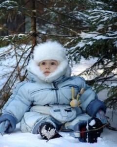 [center][b]Мерзляк [/b]  [img=left]http://www.blogolita.ru/wp-content/uploads/2014/04/MERZLIAK-240x300.jpg[/img]  «Папа с мамой, я замёрз! Ведь на улице мороз! Холодно гулять зимой… Мы когда пойдём домой?»  «Что же у тебя замёрзло? Ручки? – «Нет!» «А щёчки?» -- «Нет!» «Знаем, что морозный воздух. Может ножки?Дай ответ!»  «Ножки тоже не замёрзли, Но домой идти должны! (Не понять ответа взрослым) Ведь, замёрзли... все штаны!»[/center]